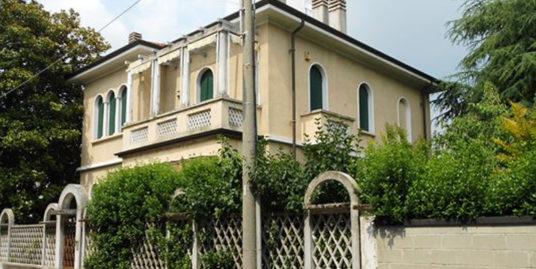 Castellanza – Villa indipendente