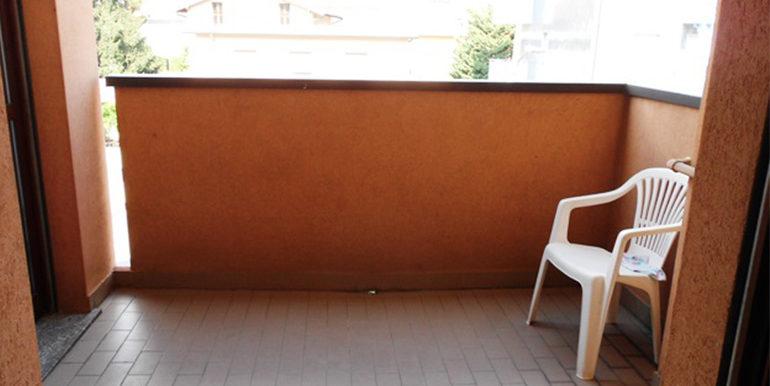 id_411_monolocale_castellanza_balcone