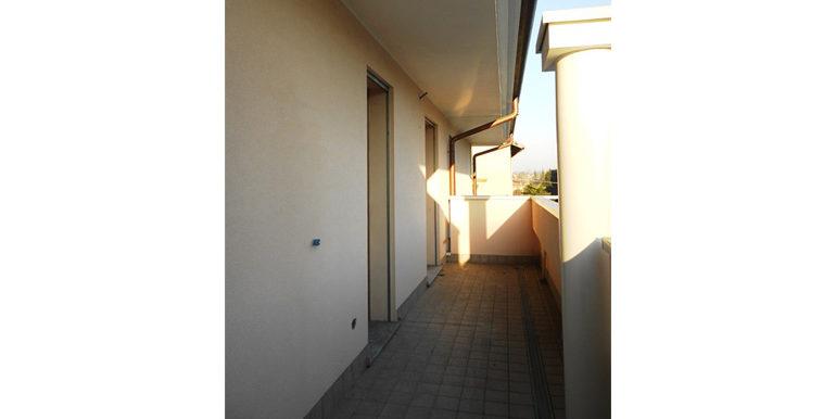 id_417_trilocale_castellanza_balcone