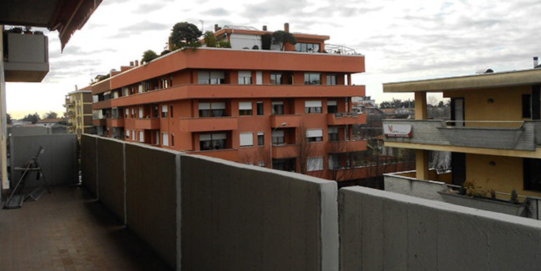 id_422_trilocale_castellanza_balcone_2