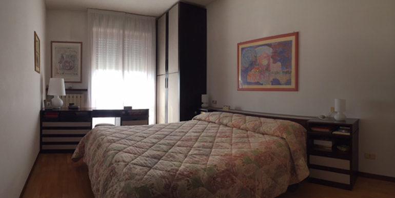 id_434_quadrilocale_gorla_maggiore_camera_2