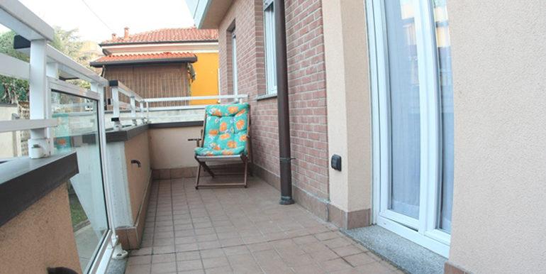 id_440_trilocale_castellanza_balcone_3