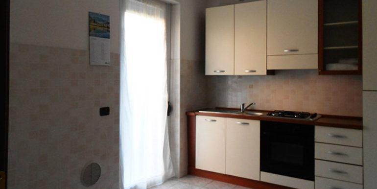id_440_trilocale_castellanza_cucina