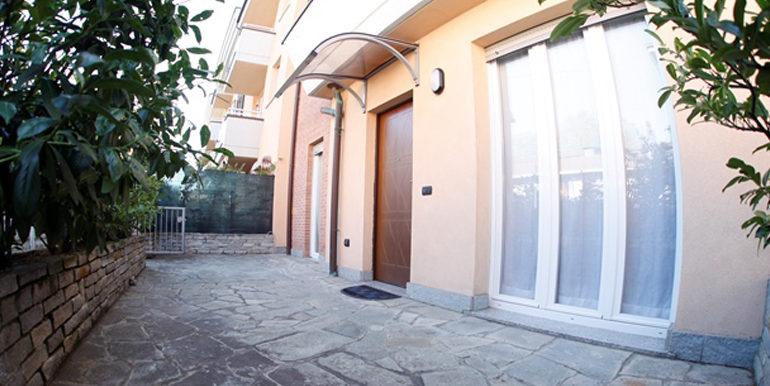 id_440_trilocale_castellanza_ingresso