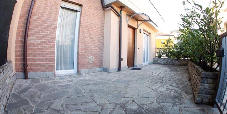 id_440_trilocale_castellanza_ingresso_2