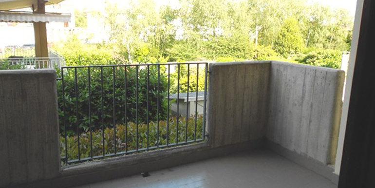 id_452_trilocale_busto_arsizio_balcone