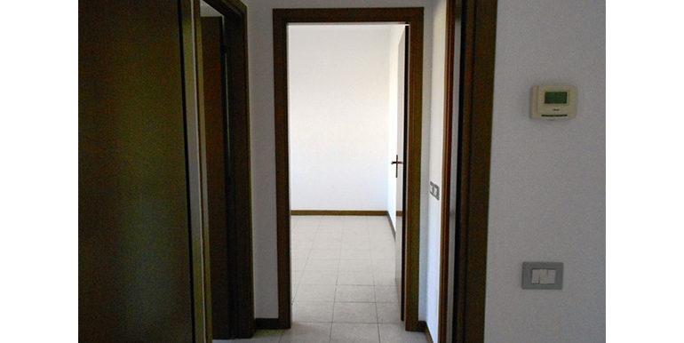 id_452_trilocale_busto_arsizio_ingresso