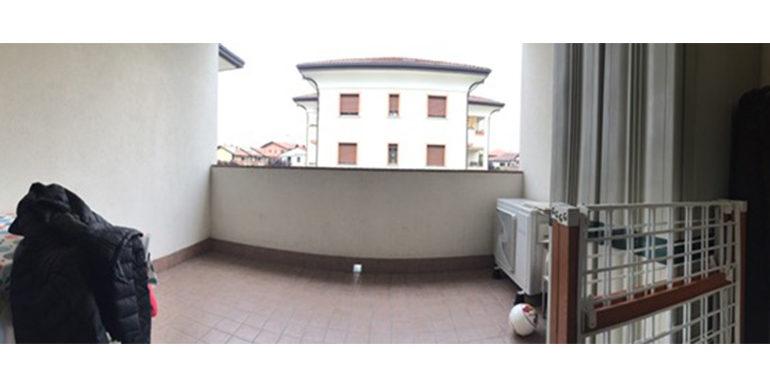 id_453_trilocale_gorla_minore_balcone