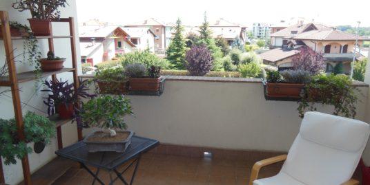 Gorla Minore – Appartamento di 3 locali doppi servizi in duplex