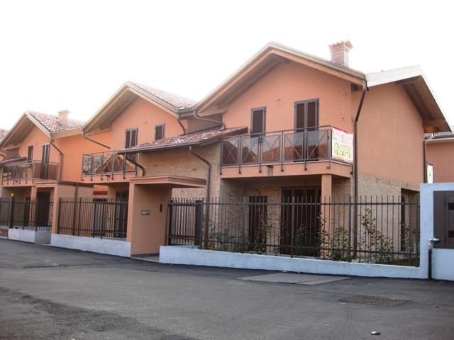 Marnate – Villa bifamiliare