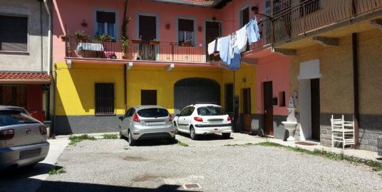 TRILOCALE + BOX AUTO IN VENDITA GORLA MINORE – 39.000 €